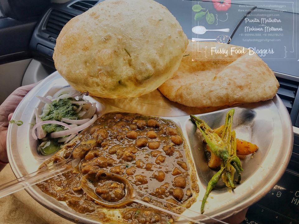 Ashu Bhature Wala, Delhi Food Bloggers